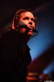 Dennis Lyxzén, cantante de The (International) Noise Conspiracy, Santana 27, Bilbao. 2006