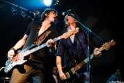 Brian Henry Hooper -bajo- y Charlie Owen -guitarra- de Beasts of Bourbon, Sala Tótem, Atarrabia (Villaba). 2006