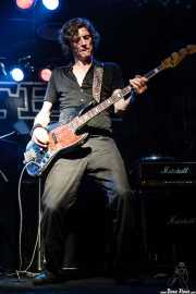Brian Henry Hooper, bajista de Beasts of Bourbon, Sala Tótem, Atarrabia (Villaba). 2006