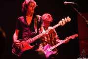 Brian Henry Hooper -bajo- y Charlie Owen -guitarra- de Beasts of Bourbon, Kafe Antzokia, Bilbao. 2006