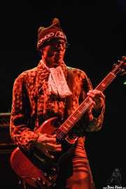 Mike Dimkich, guitarrista de The Cult (Bilbao BBK Live, Bilbao, 2006)