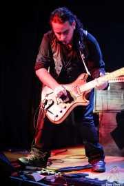 Pablo Usher, guitarrista de La casa Usher, Bilborock, Bilbao. 2006