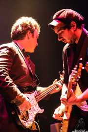"Kirk ""The Barber"" Henderson, bajista y Adam Garbinski, guitarrista de Marah, Kafe Antzokia, 2007"