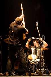 Iker Etxebarria -bajista-, y Martxelo Mendizabal -baterista- de Aterkings, Kafe Antzokia. 2007