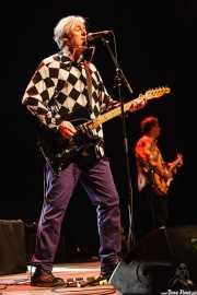 Robyn Hitchcock -voz y guitarra- y Peter Buck -guitarra- de Robyn Hitchcock and the Venus 3 (Primavera Sound Festival, Barcelona, 2007)