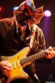 Pete Curry, bajista de Los Straitjackets & Kaiser George & The Pontani Sisters, Kafe Antzokia, Bilbao. 2007