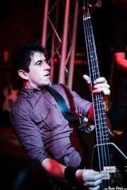 Fumai, bajista de Roy Loney & Señor No (Sala 360 Aretoa, Arrasate-Mondragón, 2007)