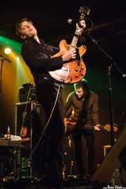 Britt Daniel -voz y guitarra- y Rob Pope -bajo- de Spoon (Santana 27, Bilbao, 2007)