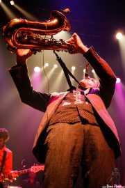 David González -bajo- y Joe González -saxo- de Atom Rhumba (Kafe Antzokia, Bilbao, 2007)