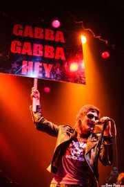 Sebastián Expulsado, cantante de Marky Ramone's Blitzkrieg (Kafe Antzokia, Bilbao, 2008)