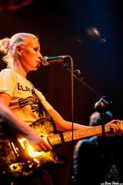 Wendy James, cantante y guitarrista de Wendy James & Racine (Plateruena Antzokia, Durango, 2008)