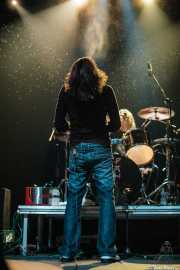 Tex Perkins -voz- y Tony Pola -batería- de Beasts of Bourbon, Kafe Antzokia, Bilbao. 2008
