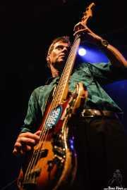 Ken Fox, bajista y cantante de The Fleshtones (, , 2008)
