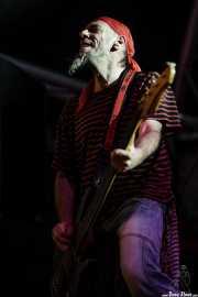 """Enrique Villarreal """"El Drogas"""", bajista y cantante de Barricada, Festival Viña Rock, Villarrobledo. 2008"""