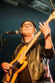 Don Wilhelm, bajista de The Sonics, Santana 27, Bilbao. 2008