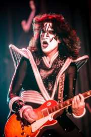 Tommy Thayer (The Spaceman), guitarrista de Kiss, Kobetasonic. 2008