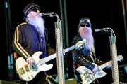 Dusty Hill -bajo y voz- y Billy Gibbons -guitarra y voz- de ZZ Top, Bilbao BBK Live, Bilbao. 2008