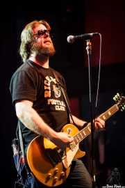 "Dan ""Thunder"" Bolton, guitarrista y bajista de Supersuckers (Kafe Antzokia, Bilbao, 2009)"