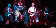 Guitarrista invitado, Dave Hartman -batería-, Rick Miller -voz y guitarra- y Mary Huff -voz y bajo- de  Southern Culture on the Skids (Freakland Festival, Ponferrada, 2009)