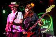 Rick Miller -voz y guitarra- y Mary Huff -voz y bajo- de  Southern Culture on the Skids (Freakland Festival, Ponferrada, 2009)