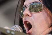 Reflejo del público en las gafas de Mike Farris, cantante y guitarrista de Mike Farris & the Roseland Rhythm Revue, Azkena Rock Festival, Vitoria-Gasteiz. 2009