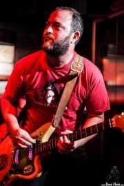 Juanjo Arias, guitarrista de Ya te digo, El Balcón de la Lola, Bilbao. 2009