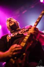 "Asier ""Indomable"", guitarrista de Porco Bravo, Kafe Antzokia, 2010"