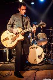 Robert Lopez, cantante y guitarrista de The Zeros (Sala Azkena, Bilbao, 2010)