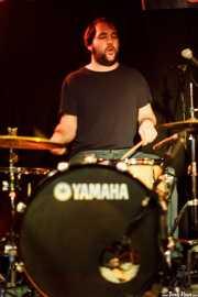 Edu Guzmán, baterista de Manett, Sala Azkena, Bilbao. 2010