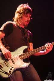 Tod Bowers, bajista de The Steepwater Band (Kafe Antzokia, Bilbao, 2010)