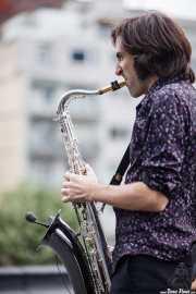Joe González, saxofonista de Atom Rhumba (The Yard, Bilbao, 2010)