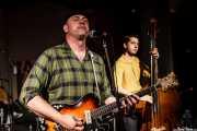 Deke Dickerson -voz y guitarra- y Beau Sample -contrabajo- de Deke Dickerson and the Modern Sounds, Hotel Casa Fuster, Barcelona. 2010