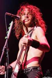 Joel O'Keeffe, cantante y guitarrista de Airbourne (Azkena Rock Festival, Vitoria-Gasteiz, 2010)