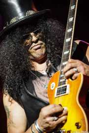 Slash, guitarrista de Slash featuring Myles Kennedy and The Conspirators (Azkena Rock Festival, Vitoria-Gasteiz, 2010)