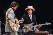 Bob Dylan, cantante, guitarrista y armonicista y Charlie Sexton, guitarrista (26/06/2010)