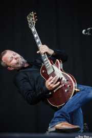 Ian Person, guitarrista de The Soundtrack of Our Lives (Bilbao BBK Live, Bilbao, 2010)