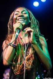 Koko-Jean Davis, cantante de The Excitements, Joy Eslava, 2010