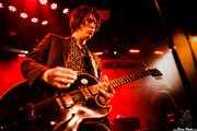 Jim Jones -voz y guitarra- y Elliot Mortimer -teclado- de The Jim Jones Revue (Le Poisson Rouge, Nueva York, 2010)