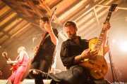 Mattias Bärjed -guitarra-, Åke Karl Kalle Gustafsson -bajo- y Ian Person -guitarra- de The Soundtrack of Our Lives (Turborock, Sarón, 2010)
