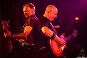 Steve Burgess -bajo- y Mick Beaufoy -guitarra- de Cock Sparrer (Landako Gunea, Durango, 2010)