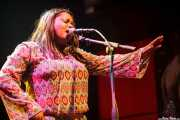 Regina McCrary (The McCrary Sisters), cantante corista de Mike Farris & the Roseland Rhythm Revue, Kafe Antzokia, Bilbao. 2010
