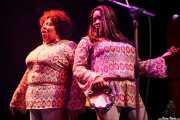 The McCrary Sisters: Ann McCrary -voz corista- y Regina McCrary -voz corista- con Mike Farris & The Roseland Rhythm Revue, Kafe Antzokia, Bilbao. 2010