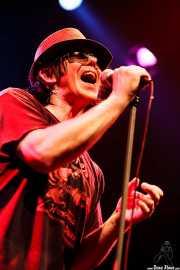 Mike Farris, cantante y guitarrista de Mike Farris & the Roseland Rhythm Revue, Kafe Antzokia, Bilbao. 2010