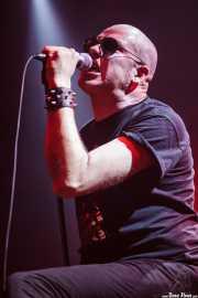 Robertez, cantante y armonicista de  Motociclón (Santana 27, Bilbao, 2010)
