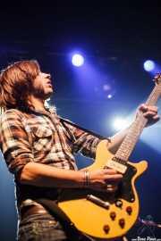 Aitor Ochoa, guitarrista de Los Tupper, Kafe Antzokia, Bilbao. 2010