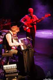 John O'Hara -teclado- y David Goodier -bajo- de Jethro Tull / Ian Anderson Band (Sala BBK, Bilbao, 2011)