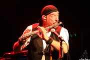 Ian Anderson -voz, flauta, ukelele- y Florian Opahle -guitarra- de Jethro Tull / Ian Anderson Band (Sala BBK, Bilbao, 2011)