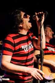 Juanjo Ibarra, cantante de Santiago Delgado y los Runaway Lovers, Sala Azkena, Bilbao. 2011