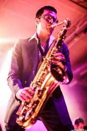 Willy Kalambres Wallace, saxofonista  de The Cherry Boppers (Santana 27, Bilbao, 2011)