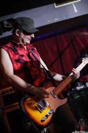 Lino Prieto, guitarrista de Toni Metralla y los Covernícolas, Sala Edaska, Barakaldo. 2011